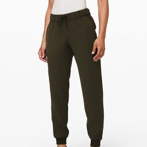 🆕Lululemon | On the Fly Jogger- Woven Size 10